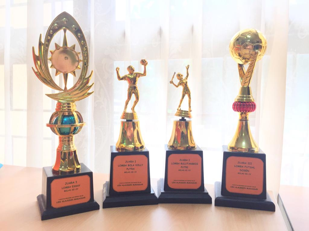 Juara 1 Lomba Essay, Juara 1 Lomba Volly Putra, Juara 1 Lomba Bulutangkis Putri Milad IV Fakultas Ek